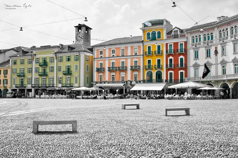 Piazza Colour