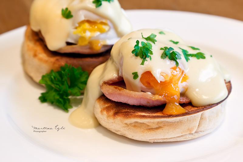 Breakfast: Eggs Benedict